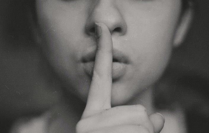 ¿Cuál es tu secreto más profundo y oscuro que nadie más conoce?.jpg