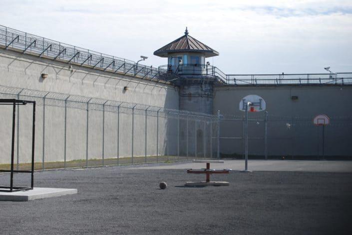 Estás en prisión con cadena perpetua, ¿cuál fue tu delito?.jpg