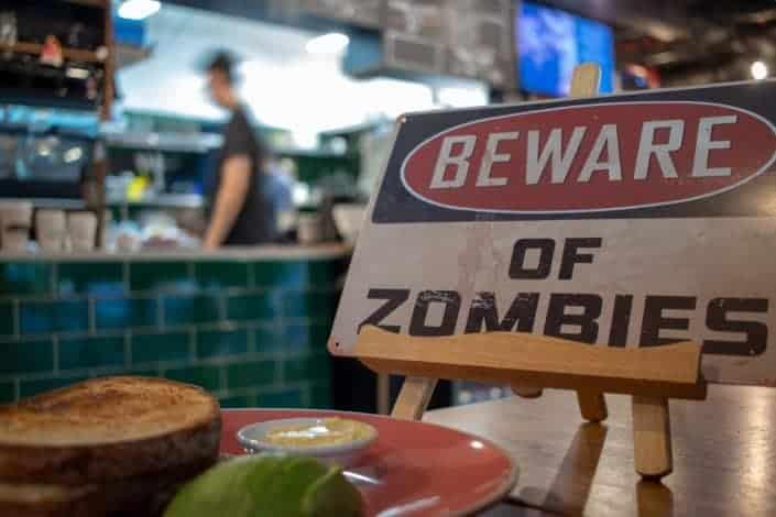 ¿Qué es lo primero que harías si supieras sobre el estallido del apocalipsis zombie?.jpg