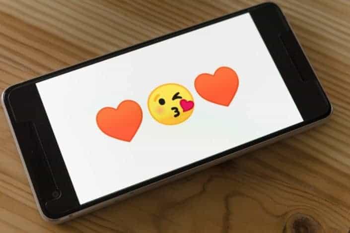 ¿Qué emoticones usas normalmente cuando estás coqueteando?