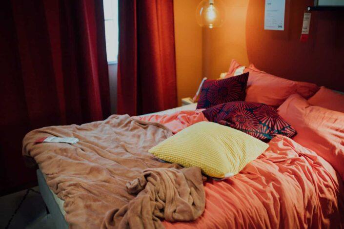 dormitorio desordenado