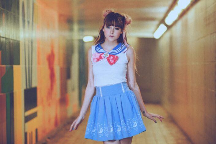 Señorita vestida con traje de Sailormoon